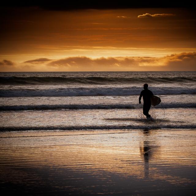 20100608_1D__N7I1376 - Surfer - Broadhaven