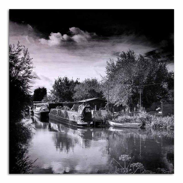 canal-boat-mooring