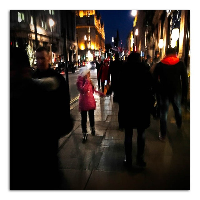 nightime-in-picadilly-01