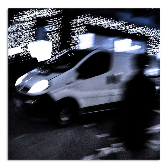 nightime-in-picadilly-03