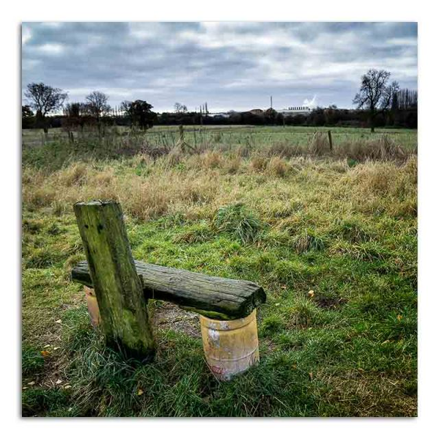 temporay-seat-canal-towpath