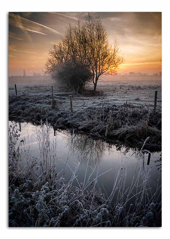 frosty-morning-over-river-soar