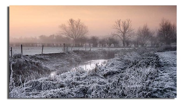 frosty-sunrise-over-river-soar